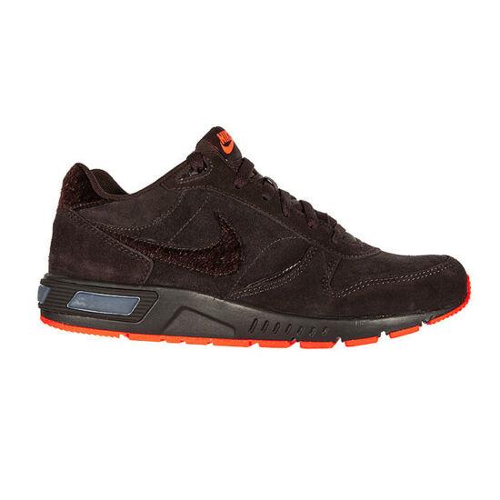 Nike Nightgazer sötétbarna utcai edzőcipő