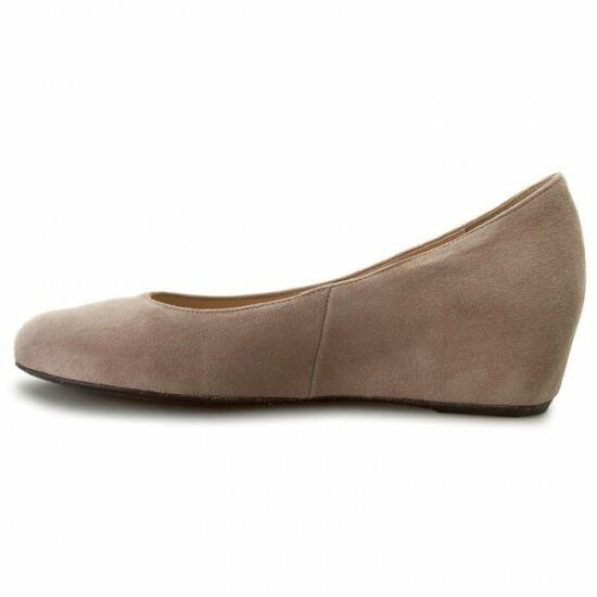 Högl beige telitalpú cipő