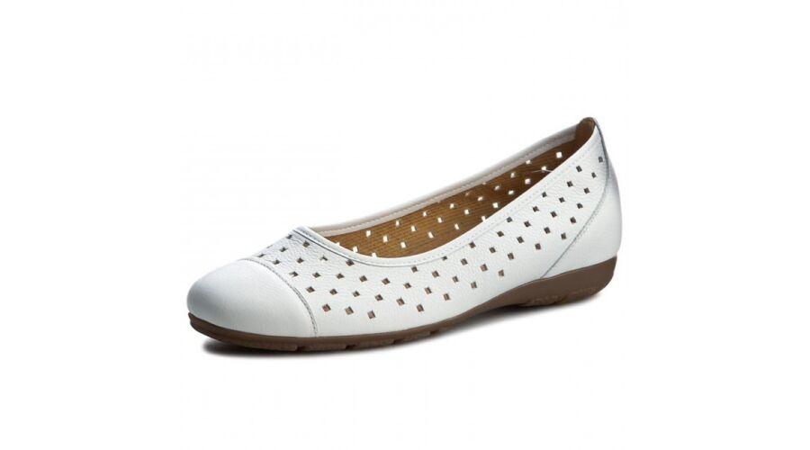 Gabor fehér lyukacsos balerina cipő - 43 - Óriás-Shop nagyméretű ... 1e6d7279be