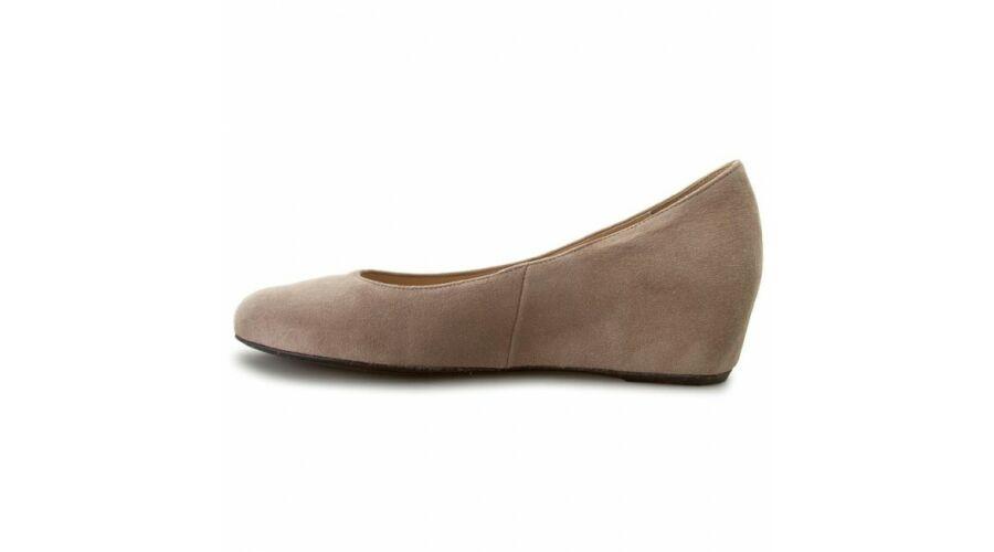 Högl beige telitalpú cipő - 42 - Óriás-Shop nagyméretű férfi ruhák ... 8e7b13fc5b